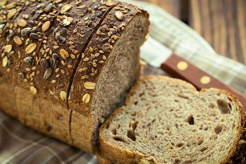 o que é melhor pão branco ou integral?